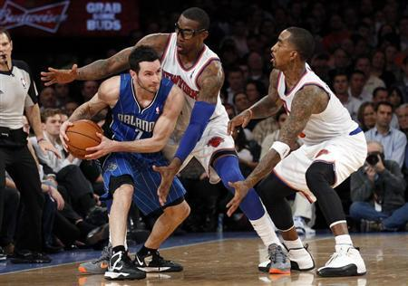Big NBA names stay put on dull deadline day