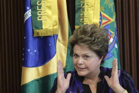 Brazil's President Dilma Rousseff gestures during a meeting of the National Council for Scientific and Technological Development at the Planalto Palace in Brasilia February 6, 2013. REUTERS/Ueslei Marcelino