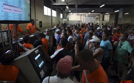 Brazil dock workers end strike, expose fragile ports
