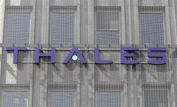 Le consortium dirigé par Bombardier Transport, auquel sont associés Thales et Nokia Siemens Networks, a remporté le contrat de modernisation de la signalisation de la ligne ferroviaire entre Varsovie et Gdynia en Pologne. La valeur du contrat est de 112 millions d'euros. /Photo d'archives/REUTERS/Charles Platiau