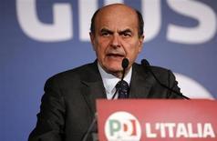 Il segretario del Pd Pier Luigi Bersani parla in una conferenza stampa a Roma, 26 febbraio 2013. REUTERS/Tony Gentile