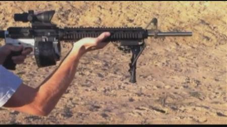 3月1日、米テキサス州の非営利団体が開発した「3Dプリンター銃」が物議を醸している。写真はロイターテレビの映像から(2013年 ロイター/Reuters TV)