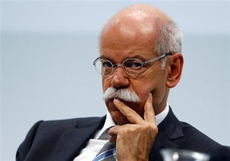 Daimler AG Chief Executive Dieter Zetsche pauses during the company's annual news conference in Stuttgart February 7, 2013. REUTERS/Michael Dalder