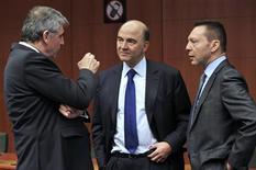 Le ministre des Finances Pierre Moscovici a déclaré lundi à Bruxelles que la France pourra ramener son déficit budgétaire en deçà des 3% du PIB l'an prochain. /Photo prise le 4 mars 2013/REUTERS/Eric Vidal