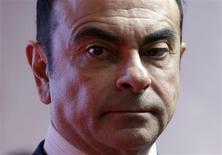 """Carlos Ghosn, le PDG de Renault, a maintenu lundi son estimation d'une baisse de 3% au mieux du marché automobile européen en 2013. """"Janvier et février ont été vraiment mauvais"""", a-t-il dit à la veille des journées presse du 83e salon de l'automobile de Genève. /Photo prise le 26 février 2013/REUTERS/Yuya Shino"""