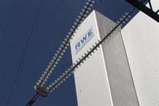 RWE a fait état mardi d'un bénéfice d'exploitation en hausse de 10,1% en 2012, bien supérieur aux attentes, tiré principalement par ses usines de lignite. /Photo d'archives/REUTERS/Ina Fassbender