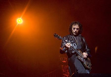 Tony Iommi of British heavy metal group 'Heaven and Hell' on stage during concerts in Oslo June 4, 2009. REUTERS/Terje Bendiksby/Scanpix