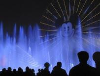 "People watch the ""World of Color"" show at Disneyland in Anaheim, California, March 11, 2011. REUTERS/Mike Blake"