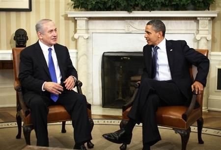 U.S. President Barack Obama welcomes Israeli Prime Minister Benjamin Netanyahu inside the Oval Office of the White House in Washington, March 5, 2012. REUTERS/Jason Reed