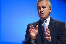 Wells Fargo Chief Executive Officer John Stumpf speaks to employees while celebrating the completion the company's conversion from Wachovia at the NASCAR Hall of Fame in Charlotte, North Carolina December 1, 2011. REUTERS/John Adkisson