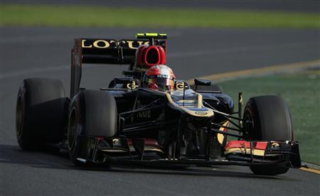 Lotus Formula One driver Romain Grosjean of France drives during the second practice session of the Australian F1 Grand Prix at the Albert Park circuit in Melbourne March 15, 2013. REUTERS/Scott Wensley
