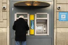 La Banque Postale AM se veut optimiste sur les actions européennes en 2013 avec un objectif de hausse de 10%, mais la société de gestion se montre plus prudente pour le prochain trimestre, les interrogations concernant l'Italie ou la situation budgétaire américaine n'étant toujours pas dissipées. /Photo d'archives/REUTERS/Benoît Tessier
