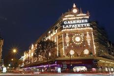 Le groupe Galeries Lafayette, dirigé par Philippe Houzé, annonce lundi la nomination du fils de ce dernier, Nicolas Houzé, au poste de directeur général de la branche grands magasins, en remplacement de Paul Delaoutre. /Photo d'archives/REUTERS/Charles Platiau