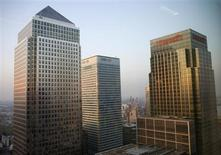 Three buildings in the Canary Wharf financial district of London May 7, 2008. Number one Canada Square, the HSBC building and the Citigroup building. REUTERS/Kevin Coombs