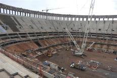 Construção no Estádio Mané Garrincha em Brasília. 3/12/2012 REUTERS/Gary Hershorn