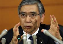 Haruhiko Kuroda, le nouveau gouverneur de la Banque du Japon, utilisera tous les moyens à sa disposition pour atteindre un objectif de 2% d'inflation et ce en l'espace de deux ans. /Photo prise le 21 mars 2013/REUTERS/Toru Hanai