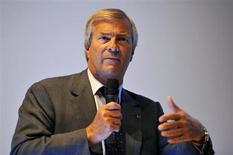 Vincent Bolloré, président du conseil d'administration de Havas. Le groupe publicitaire affiche une rentabilité en hausse en 2012, à 13,5%, avec un résultat opérationnel courant annuel en progression de 9,1% à 240 millions d'euros. /Photo d'archives/REUTERS/Philippe Wojazer