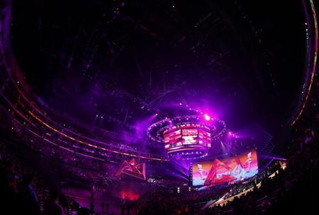 General view of the stage during the 2012 MTV Video Music Awards in Los Angeles, September 6, 2012. REUTERS/Lucy Nicholson