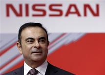 Le PDG de Renault-Nissan Carlos Ghosn estime que Nissan devrait atteindre d'ici la fin de 2016 l'objectif d'une part de marché de 10% aux Etats-Unis. /Photo prise le 26 février 2013/REUTERS/Yuya Shino