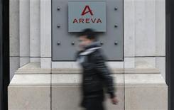 Areva a signé un accord en vue de la vente de sa filiale américaine de mesure de la radioactivité Canberra à la société française de capital-investissement Astorg Partners. /Photo prise le 28 février 2013/REUTERS/Christian Hartmann