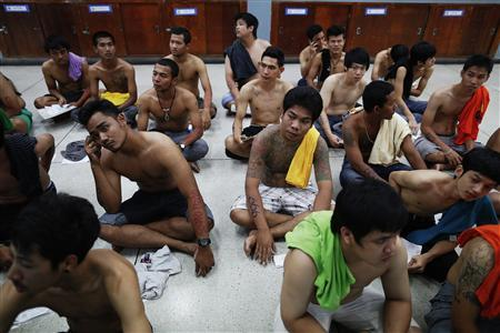 Luck of the draw for Thai army recruits - Reuters