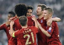 Jogadores do Bayern de Munique comemoram gol contra Juventus nesta quarta-feira. REUTERS/Giorgio Perottino