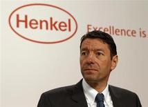 """Kasper Rorsted, président du directoire de Henkel, a déclaré que le groupe allemand de biens de consommation courante disposait d'une somme comprise entre 3,5 et quatre milliards d'euros pour financer """"de grosses acquisitions"""". /Photo d'archives/REUTERS/Ina Fassbender"""