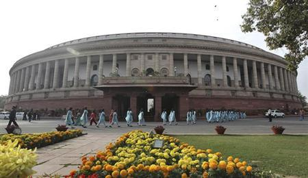 School children arrive to watch the proceedings of parliament in New Delhi December 7, 2012. REUTERS/Stringer/Files