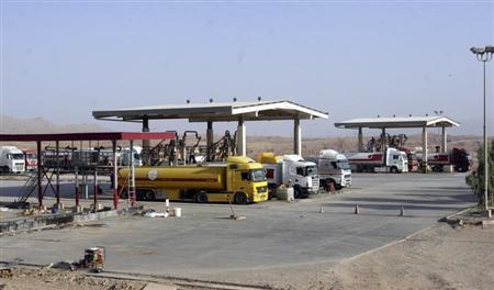 Tanker trucks wait to be loaded at Taq Taq oil field in Arbil at the semi-autonomous Kurdistan region of northern Iraq, about 350 km (220 miles) north of Baghdad, September, 5, 2012. REUTERS/Azad Lashkari