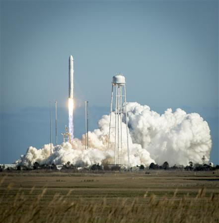 The Orbital Sciences Corporation Antares rocket is seen as it launches from Pad-0A of the Mid-Atlantic Regional Spaceport (MARS) at the NASA Wallops Flight Facility in Virginia, April 21, 2013. REUTERS/Bill Ingalls/NASA