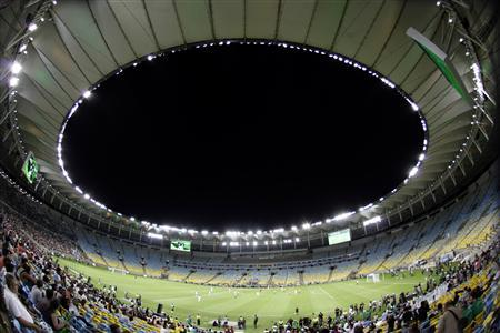 A general view of an exhibition soccer match during the re-opening of the newly renovated Macarana Stadium in Rio de Janeiro April 27, 2013. REUTERS/Ricardo Moraes