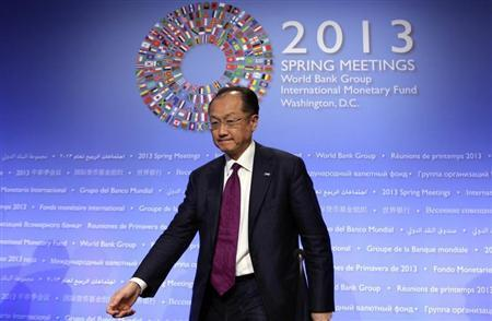 World Bank President Jim Yong Kim arrives at a news conference during the Spring Meeting of the IMF and World Bank in Washington, April 20, 2013. REUTERS/Yuri Gripas