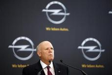 Dan Akerson, General Motors Chairman and Chief Executive Officer, delivers a speech at the Adam Opel AG headquarters in Ruesselsheim April 10, 2013. REUTERS/Lisi Niesner