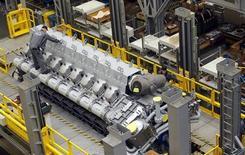 La production industrielle a augmenté contre toute attente en mars en Allemagne (+ 1,2%), selon le ministère de l'Economie. /Photo prise le 6 mars 2013/REUTERS/Michael Dalder