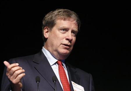 Stanley Druckenmiller, founder of Duquesne Capital Management, speaks at the Sohn Investment Conference in New York, May 8, 2013. REUTERS/Brendan McDermid