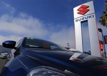 Suzuki Motor a dégagé un bénéfice net sans précédent lors de l'exercice achevé en mars, à 80,4 milliards de yens (619 millions d'euros), en particulier grâce à des ventes qui ont atteint un niveau historiquement élevé. /Photo prise le 6 novembre 2012/REUTERS/Mike Blake