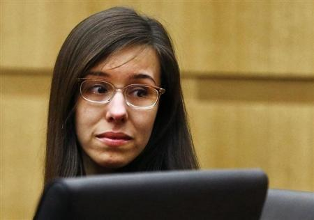 Jodi Arias reacts as a guilty verdict is read in her first-degree murder trial in Phoenix, Arizona May 8, 2013. REUTERS/Rob Schumacher/Arizona Republic/Pool