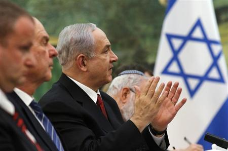 Israel's Prime Minister Benjamin Netanyahu speaks to China's President Xi Jinping (not pictured) during a meeting at the Great Hall of the People in Beijing May 9, 2013. REUTERS/Kim Kyung-Hoon