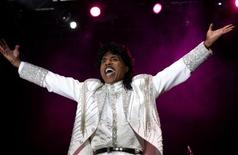Entertainer Little Richard performs at the Crossroad festival in Gijon, northern Spain, July 23, 2005 (File photo). REUTERS/Alonso Gonzalez