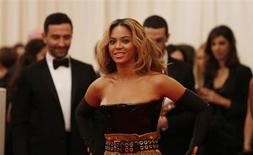 """Singer Beyonce arrives at the Metropolitan Museum of Art Costume Institute Benefit celebrating the opening of """"PUNK: Chaos to Couture"""" in New York, May 6, 2013. REUTERS/Lucas Jackson"""