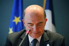 La France maintient sa prévision de croissance pour 2013 à 0,1% du PIB, a déclaré mercredi le ministre de l'Economie Pierre Moscovici après la publication de chiffres confirmant son entrée en récession. /Photo prise le 20 avril 2013/REUTERS/Jonathan Ernst
