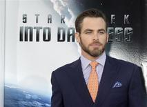 """Actor Chris Pine, cast member of the new film """"Star Trek Into Darkness"""", poses as he arrives at the film's premiere in Hollywood May 14, 2013. REUTERS/Fred Prouser"""