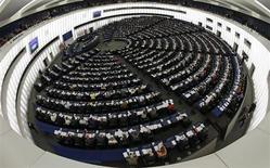 Le Parlement européen a donné mercredi son feu vert au mécanisme de supervision et de résolution bancaire unique sous l'égide de la Banque centrale européenne (BCE), premier pas vers l'union bancaire au sein de la zone euro. /Photo prise le 21 mai 2013/REUTERS/Vincent Kessler