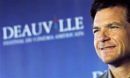 """U.S actor Jason Bateman poses during a photocall for his film """"The Change-Up"""" during the 37th American Film Festival in Deauville, September 4, 2011. REUTERS/Regis Duvignau"""