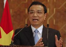 Chinese Premier Li Keqiang speaks during a joint news conference with Pakistan's President Asif Ali Zardari (not in picture) at President House in Islamabad May 22, 2013. REUTERS/Mian Khursheed