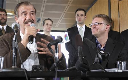 Former President of Mexico Vicente Fox (L) talks during a news conference next to marijuana entrepreneur and CEO of Diego Pellicer Inc. Jamen Shively (R) in Seattle, Washington, May 30, 2013. REUTERS/Marcus Donner