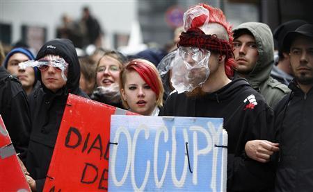 Frankfurt 'Blockupy' protesters clash with police