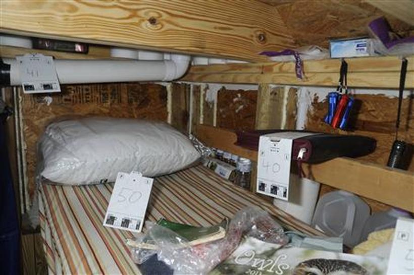 Alabama bunker hostage