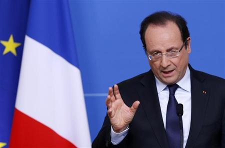 France's President Francois Hollande addresses a news conference during a European Union leaders summit in Brussels May 22, 2013. REUTERS/Francois Lenoir