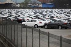 Les ventes de véhicules ont augmenté de 9,8% en mai en Chine par rapport au même mois de 2012, à 1,76 million d'unités, selon l'Association chinoise des constructeurs automobiles. /Photo prise le 20 mars 2013/REUTERS/Aly Song